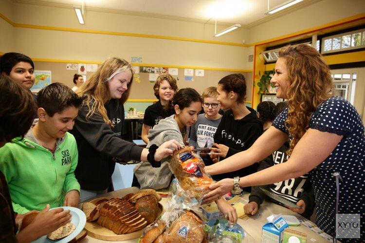 Aftrap Nationaal Schoolontbijt in Hilversum met Jessica Mendels en Bas Muijs