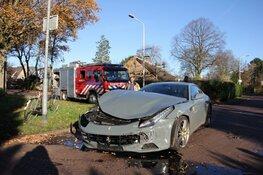Ferrari totall loss na ongeval in Laren