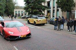 Carspotters weggestuurd door politie in Laren