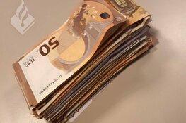 Man (26) met 22.000 euro cash vernielt auto en huis van ouders in Hilversum