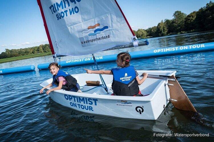 Kinderen maken gratis kennis met de watersport tijdens Optimist on Tour in Huizen