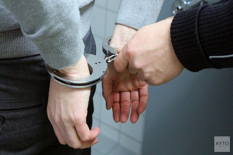 Aanhouding na politie-inval in Loosdrechtse villa