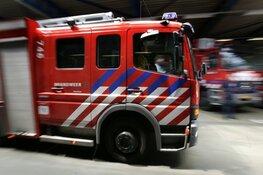 Bewoners geschrokken na felle brand in woningcomplex Huizen