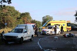 Scooterrijdster gewond na botsing in Bussum