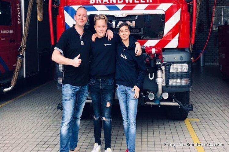 Bussumse jeugdbrandweerman Max ernstig ziek, brandweerkorps roept op kaartje te sturen