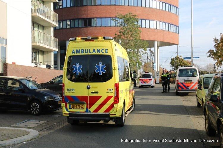Mishandelde man zwaargewond aangetroffen op straat in Hilversum: verdachte op de vlucht