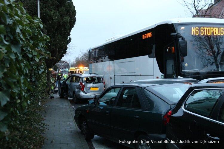 Fietsster overleden na aanrijding door NS-bus in Bussum, kind ongedeerd