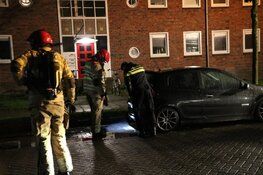 Auto brandt volledig uit in Weesp