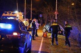 Auto meerdere malen over de kop bij ongeval Laren