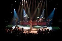 Maan schittert bij start clubtour in Alkmaar