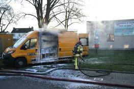 Werkbus uitgebrand door kortsluiting