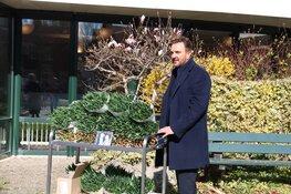 Mick Harren verrast verzorgingstehuis Bussum
