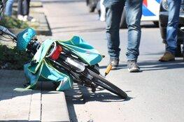Vrouw op fiets aangereden in Huizen