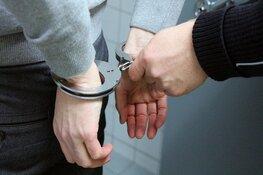 """Coronaspuger opgepakt in Bussum: """"Hier, heb je corona"""""""