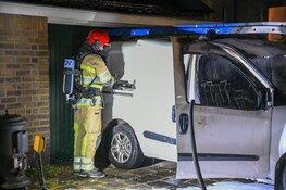 Brandweerman blust auto van buurman
