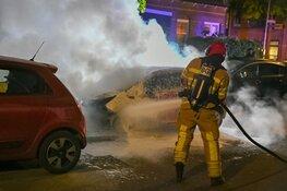Twee auto's in vlammen op in Hilversum