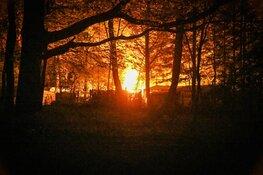 Felle brand verwoest caravan op Hilversumse camping