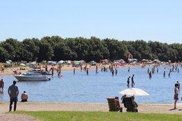 Gemeente Blaricum grijpt in bij drukte Stichtse Strand, parkeerplaats afgesloten