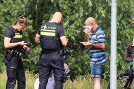 Twee fietsers lichtgewond na botsing in Huizen