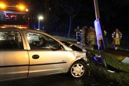 Automobilist aangehouden na aanrijding in Huizen