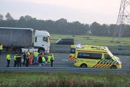 Persoon zwaargewond na ongeval op A1 Muiderberg