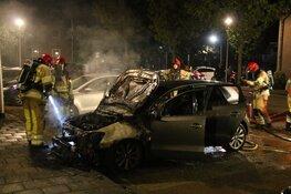Auto brandt uit na harde knal in Bussum
