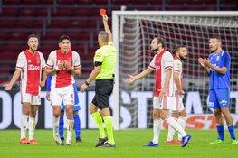 Ajax met tien man langs Vitesse