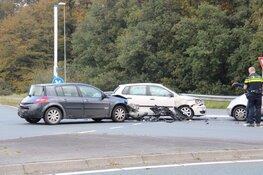 Ongeval met meerdere auto's in Bussum