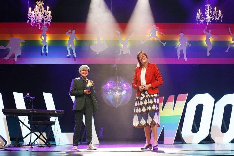 Eerste Gooische Rainbow Award uitgereikt aan GSA van A. Roland Holst College