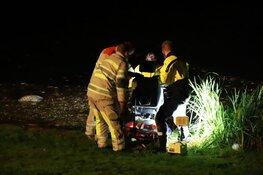 Brandweer haalt scootmobiel uit water in Hilversum